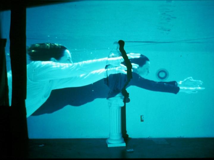 molly-pool-flying1000