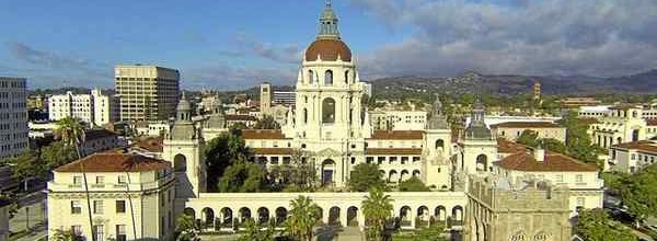 Stalking the lions of Pasadena City Hall